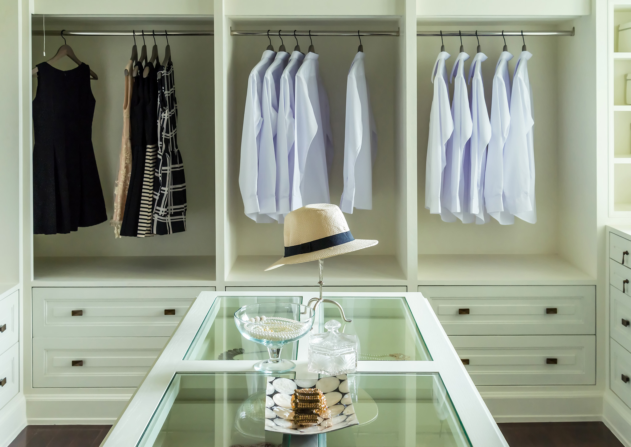 dressing room island, bespoke wardrobe design, luxury wardrobe