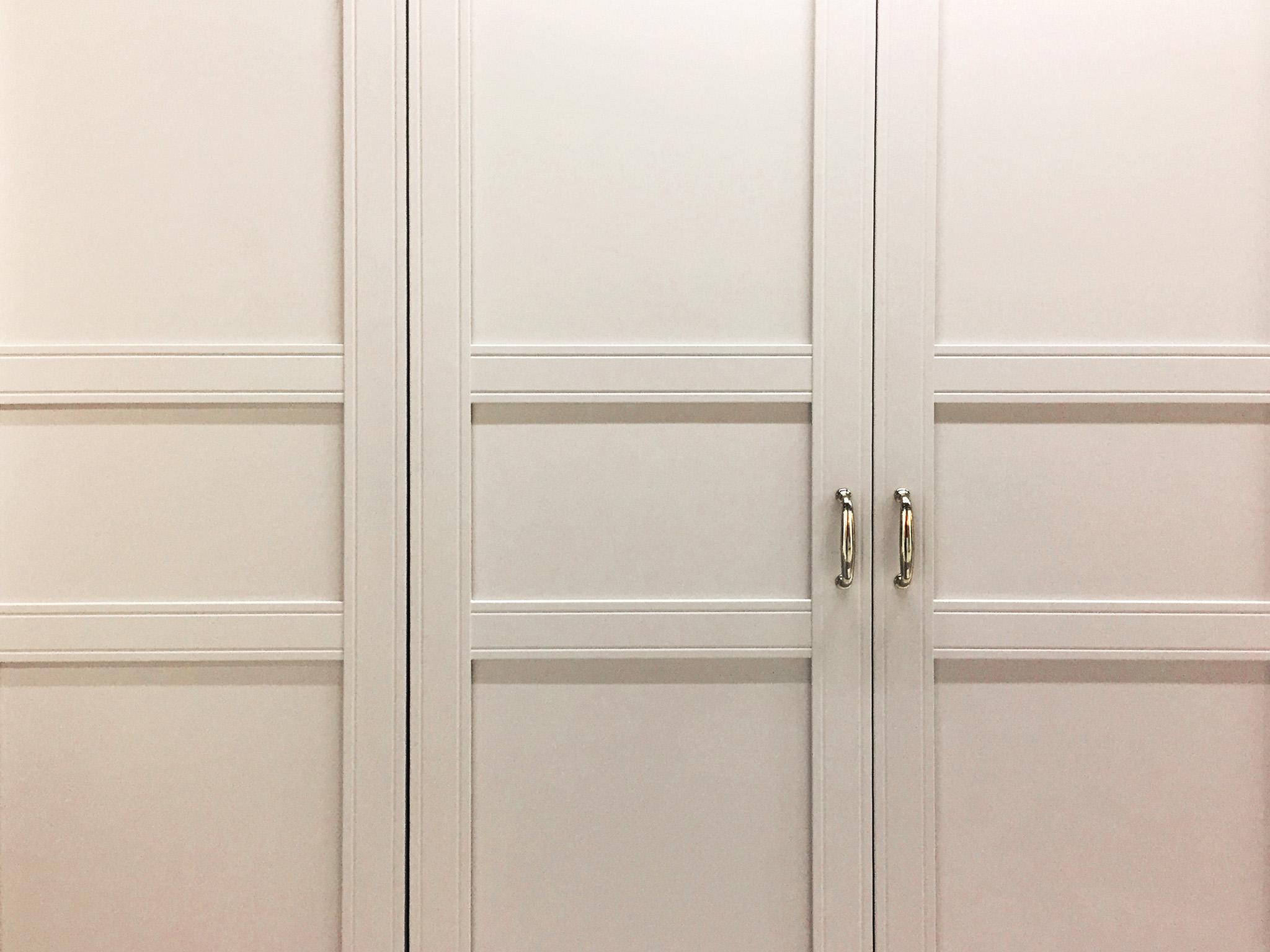 white wardrobe, shaker wardrobe doors, wardrobe handles