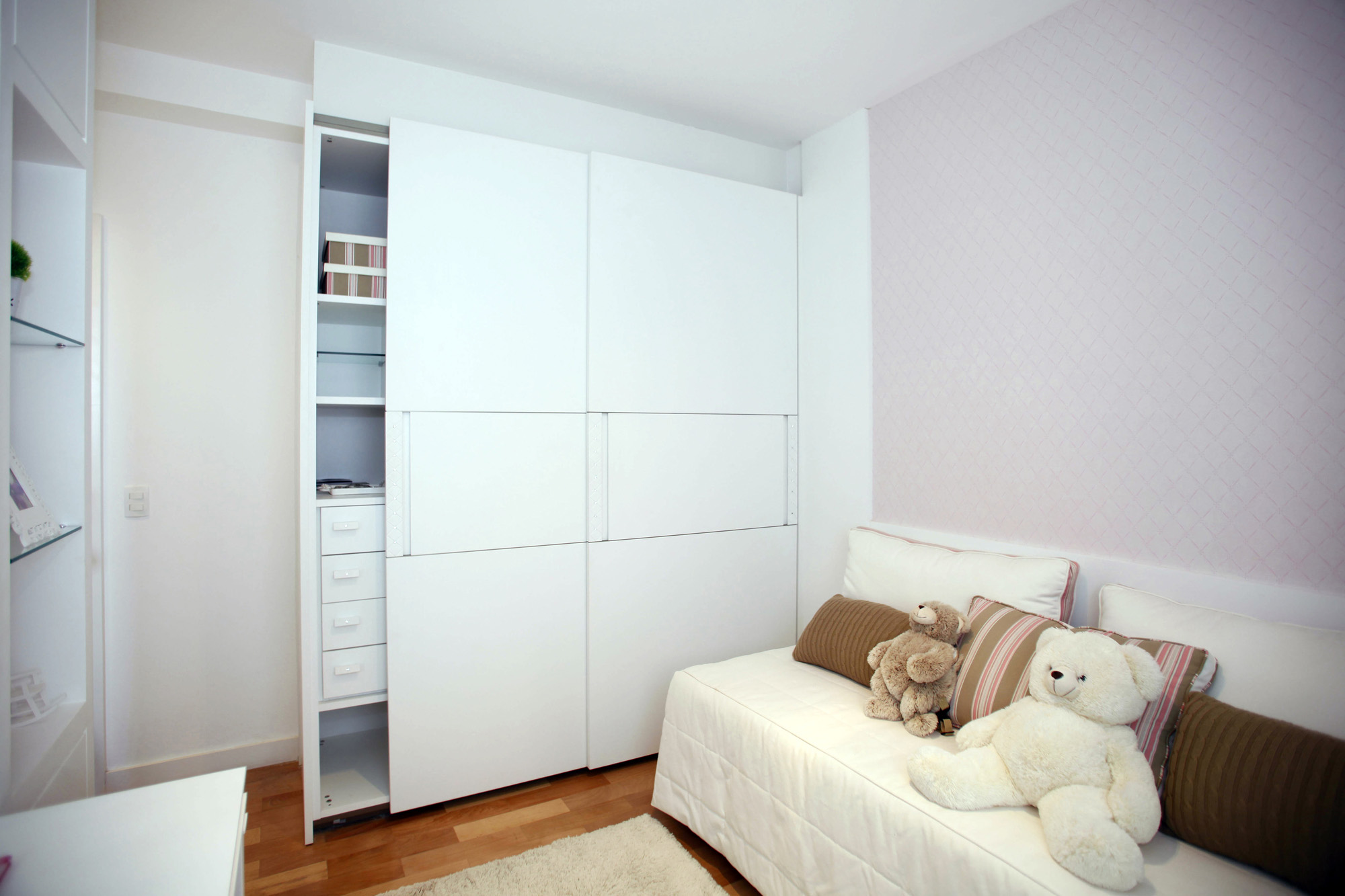 sliding wardrobe, white wardrobe, childrens wardrobe
