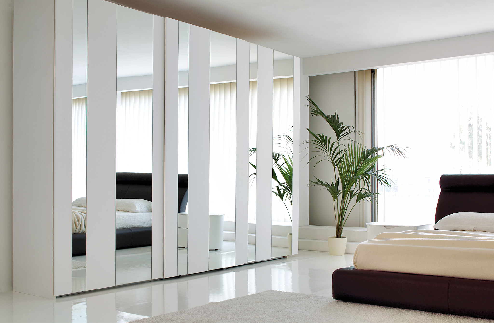 sliding mirrored wardrobe, white wardrobe, wardrobe doors