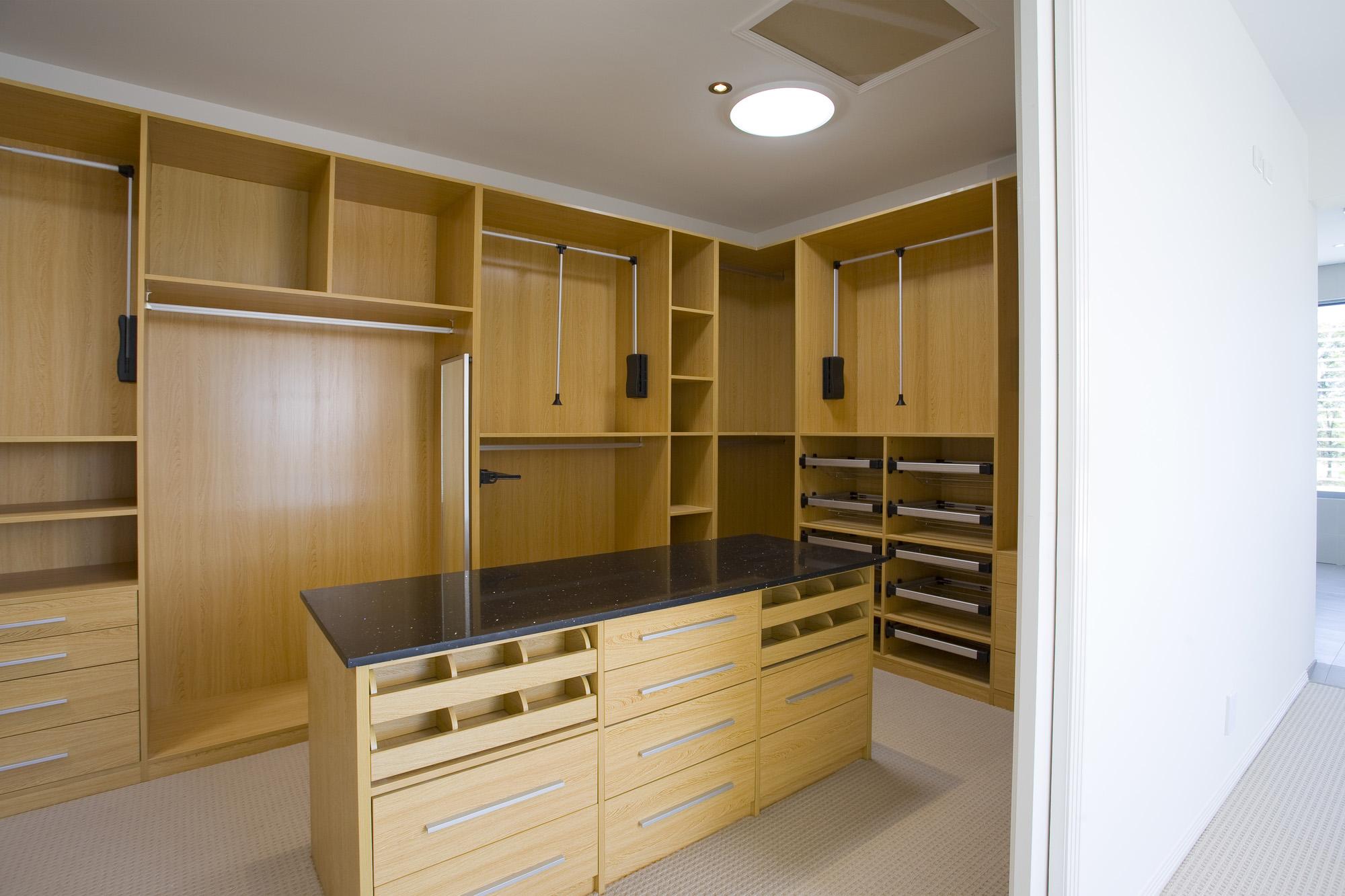 pull down wardrobe rail, dressing room, dressing room island