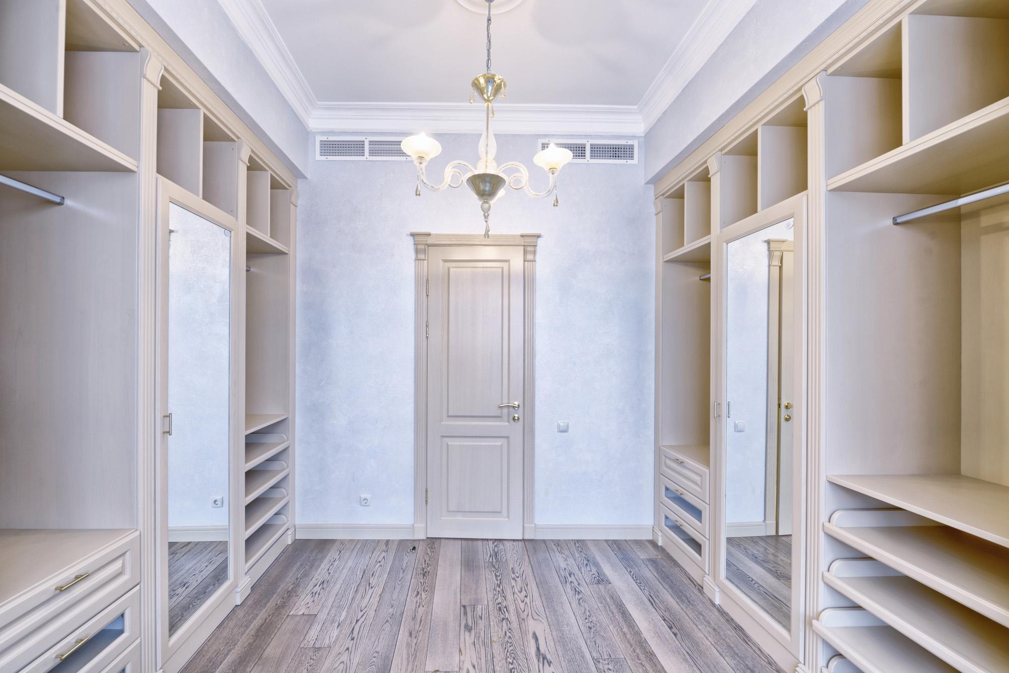 Dressing room, walk in wardrobe, open wardrobe ideas, wardrobe drawers