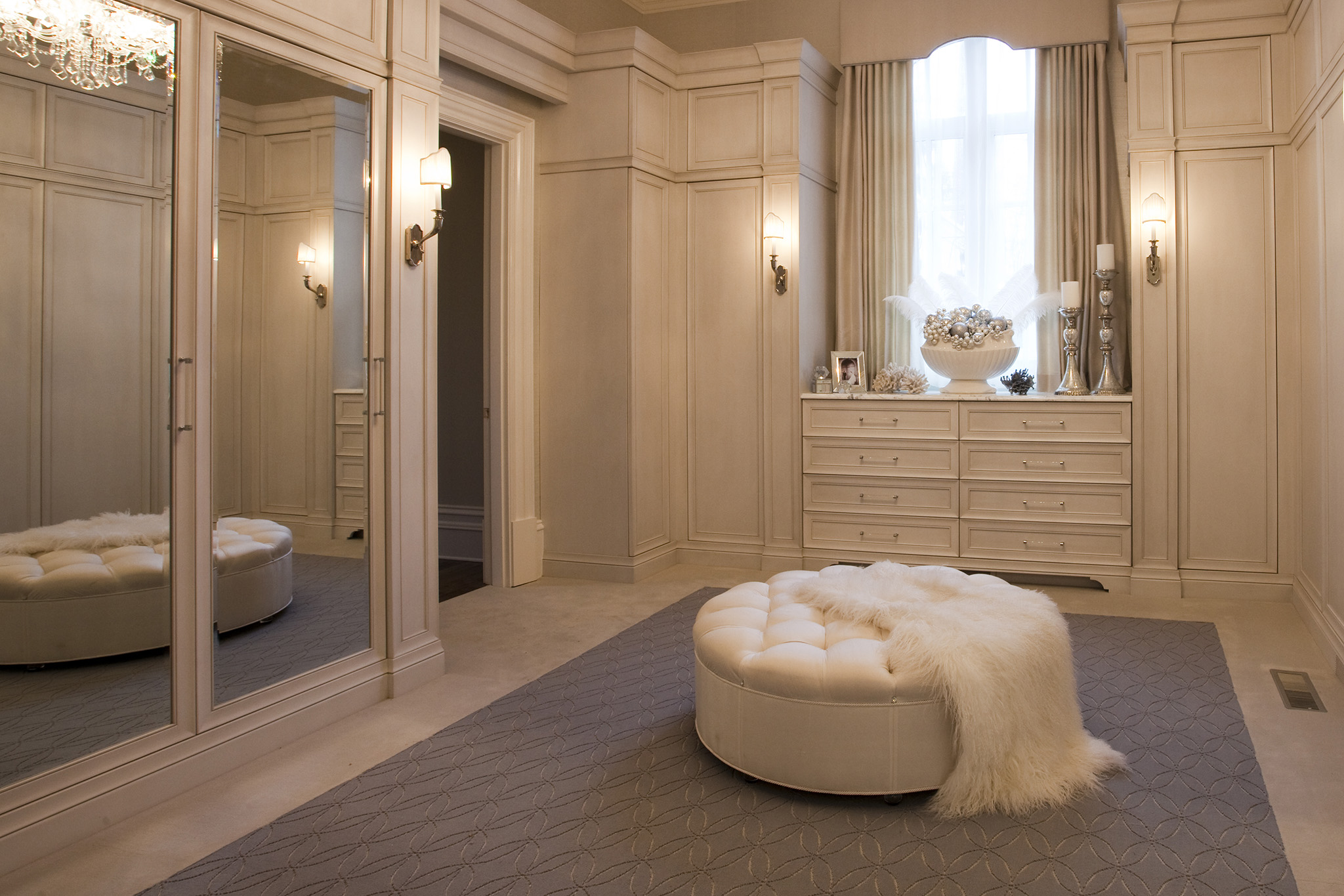 luxury dressing room, fitted wardrobes, dressing room funiture