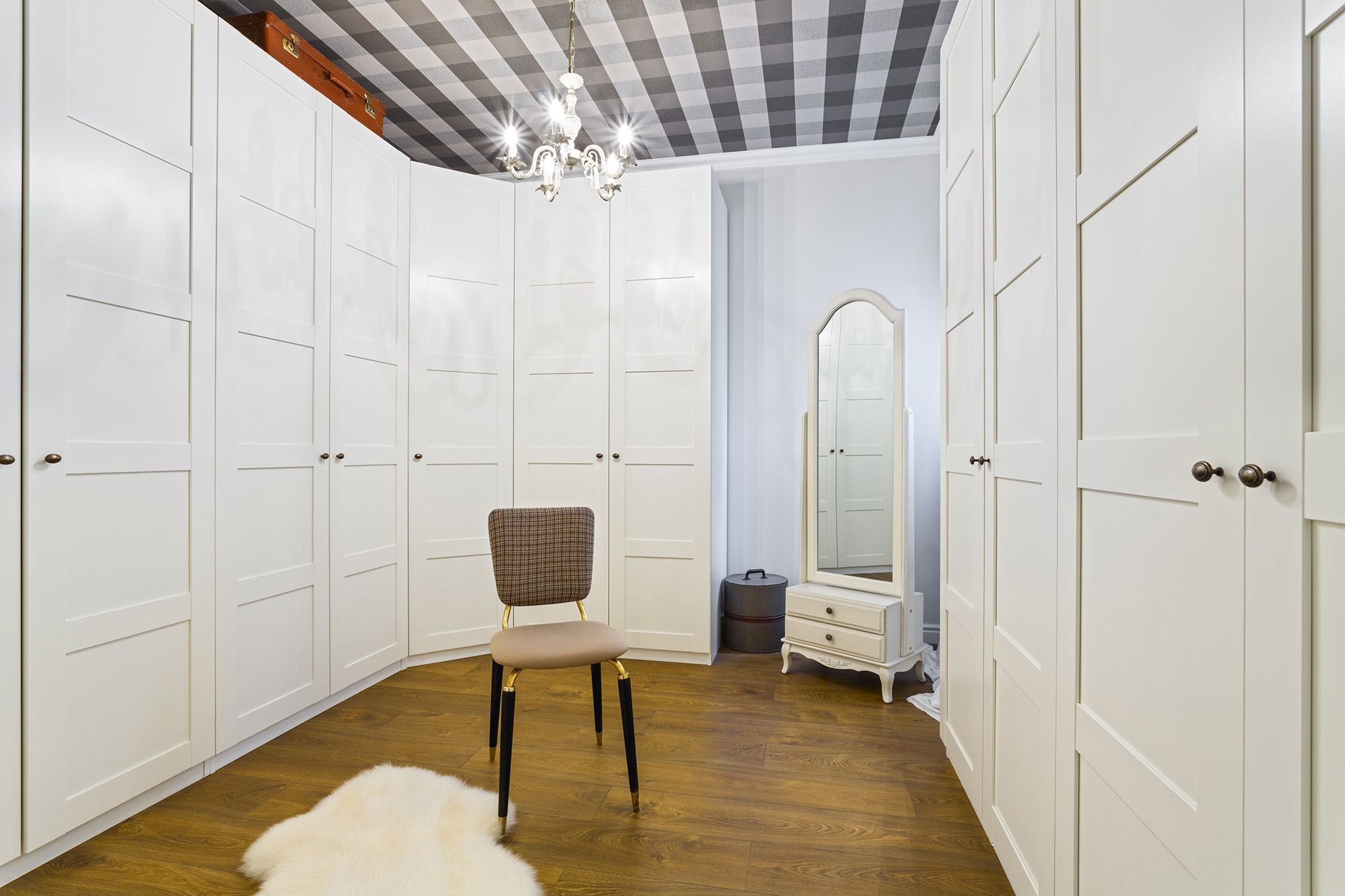 dressing room, white wardrobe, shaker wardrobe doors