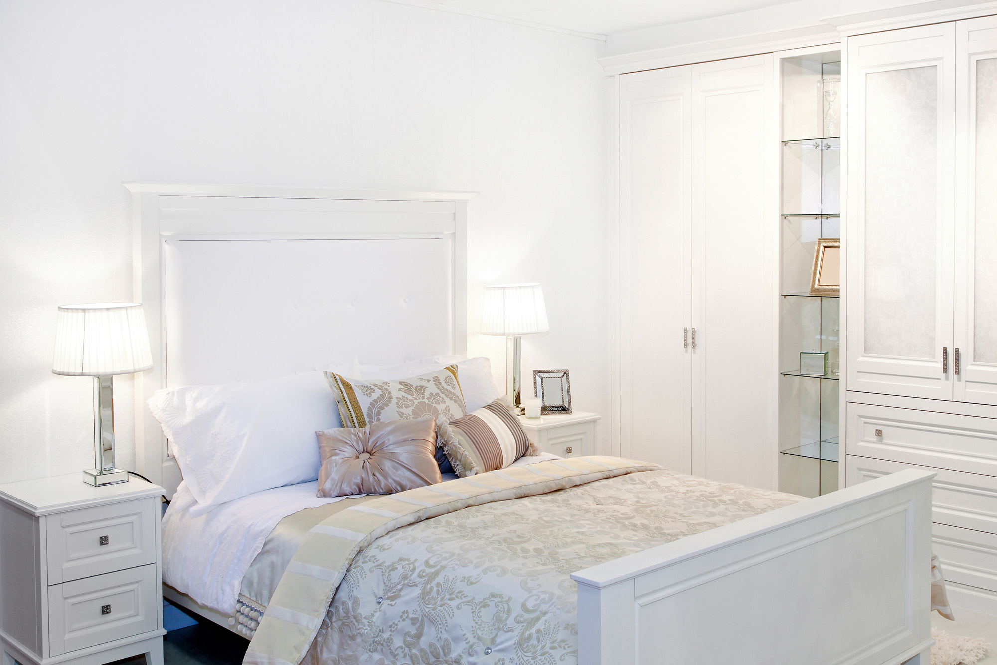 fitted wardrobes, white wardrobes, hinged wardrobe doors
