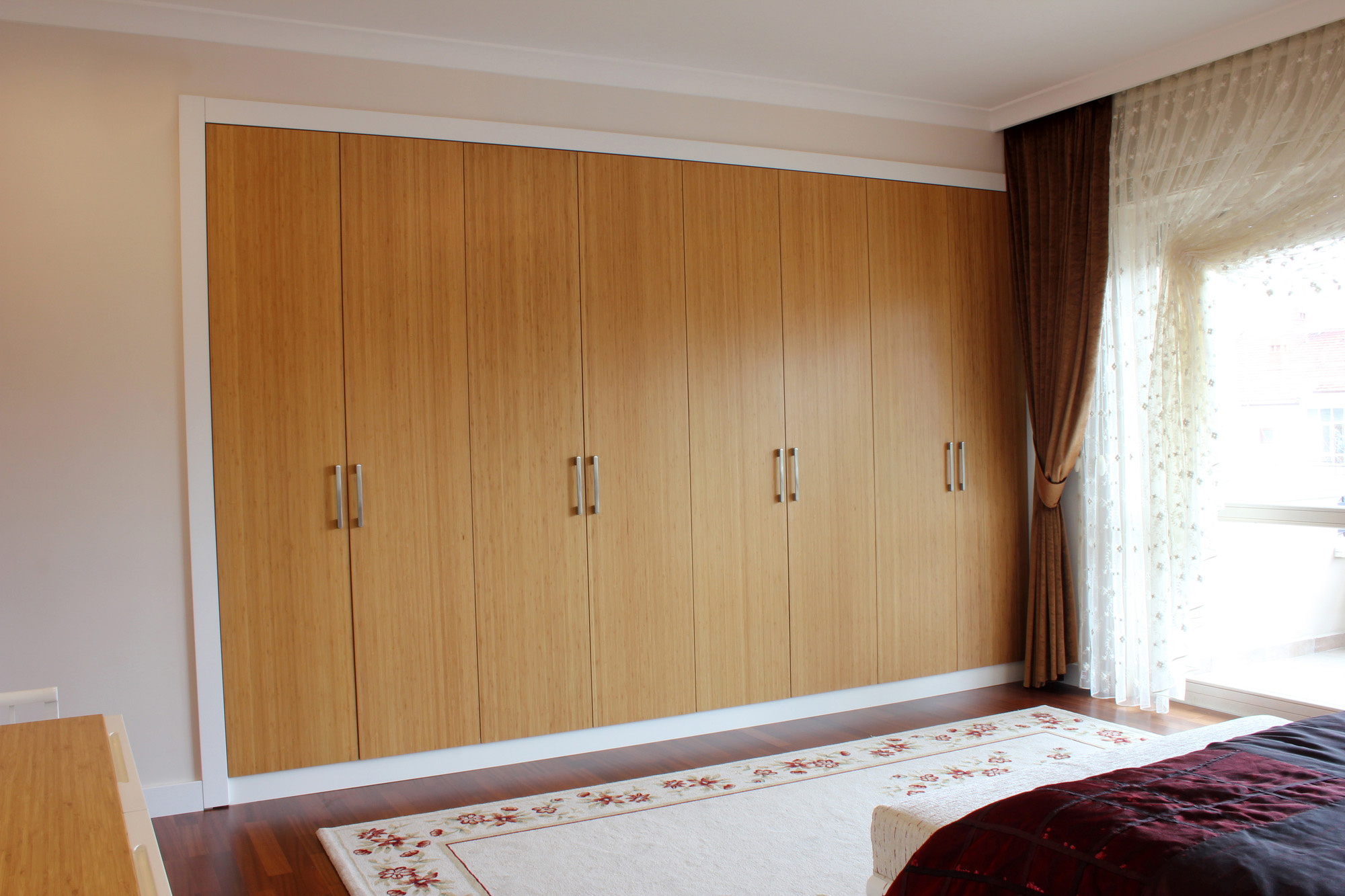 fitted wardrobe, hinged wardrobe door, modern wardrobe