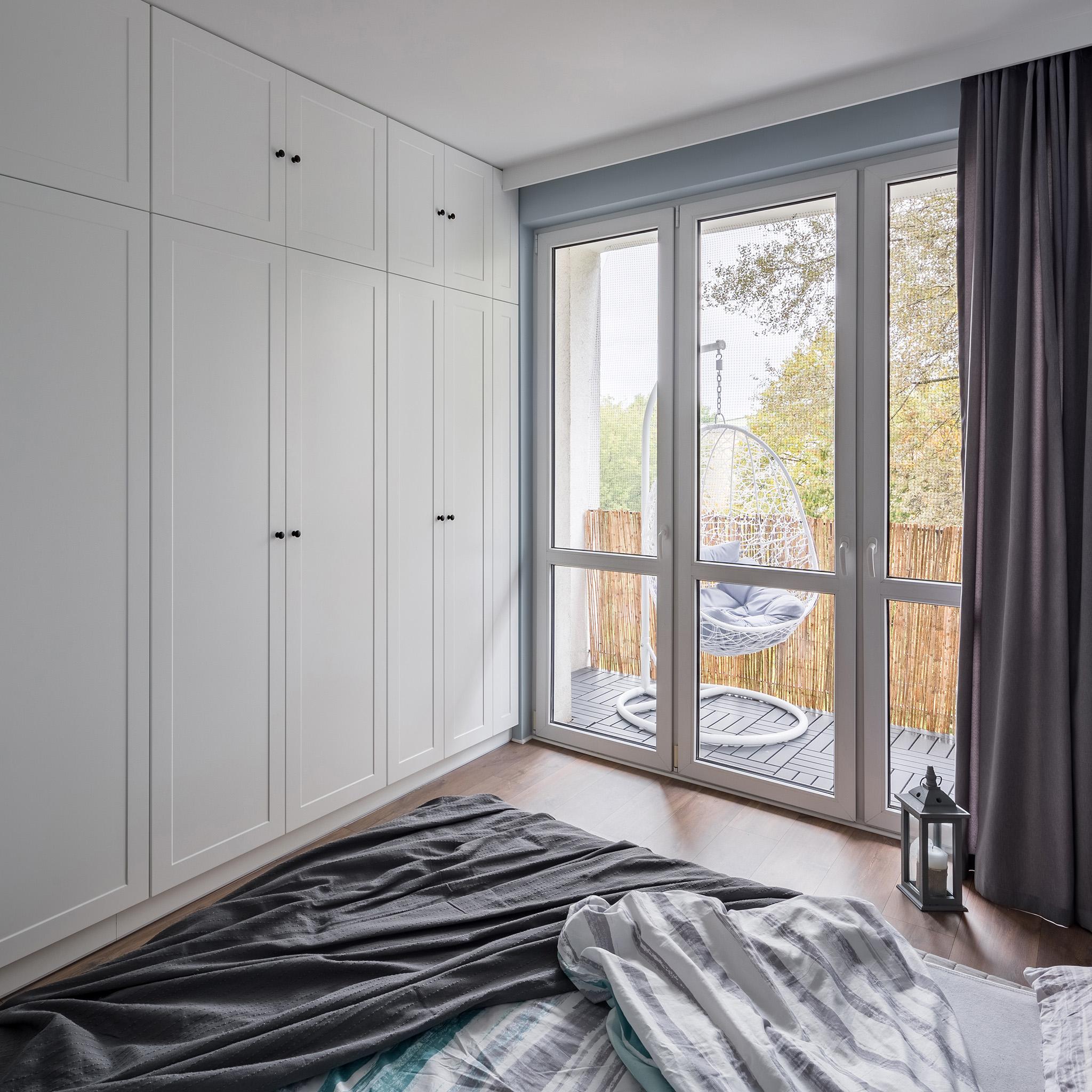 modern bedroom ideas, modern dressing room, dressing room island, wardrobe black
