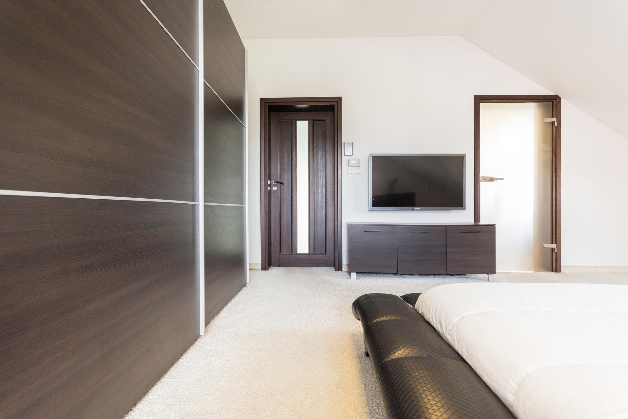 wardrobe with sliding doors, modern wardrobe design