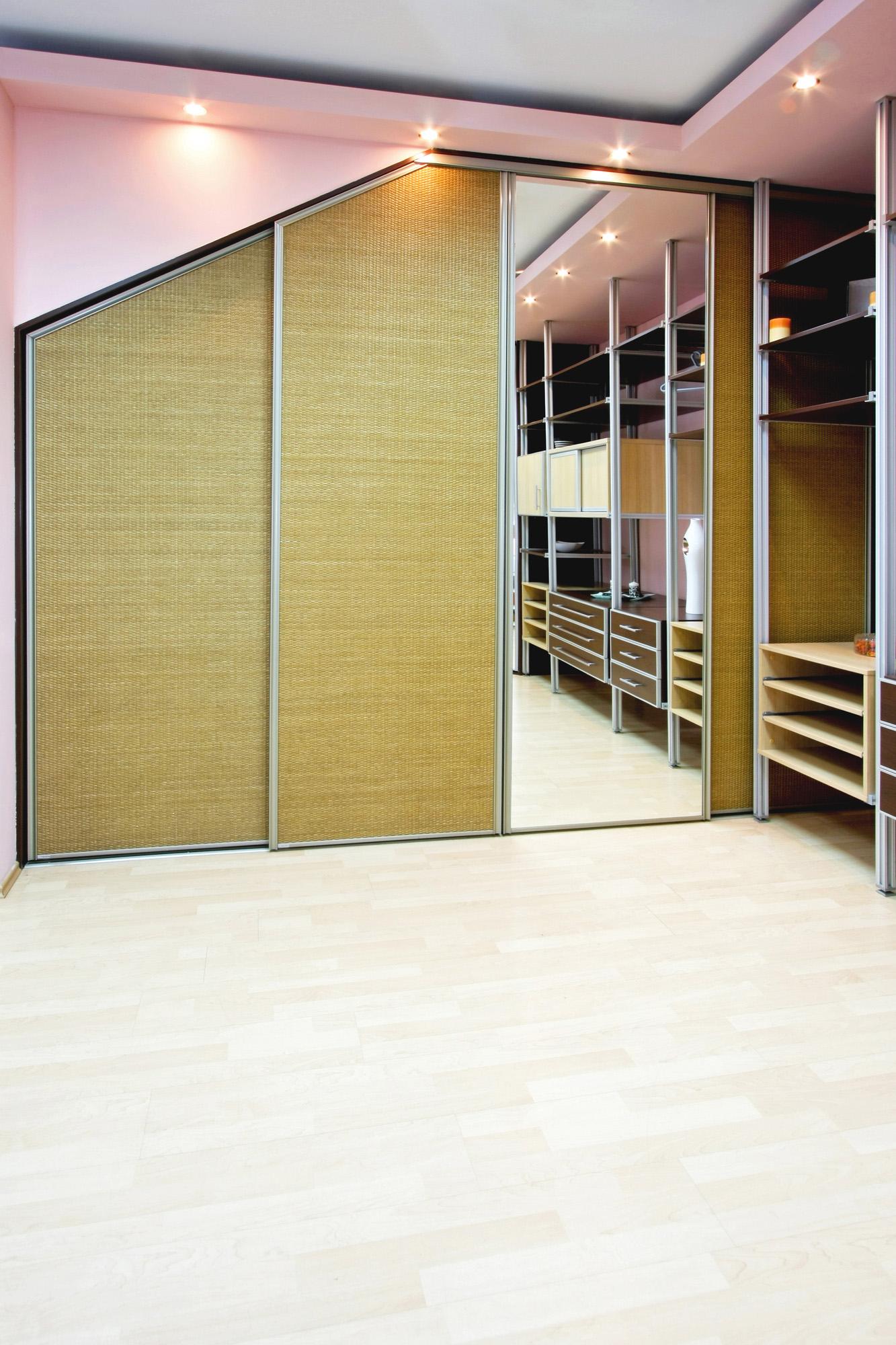angled wardrobes,wardrobes with sliding doors, built in wardrobe