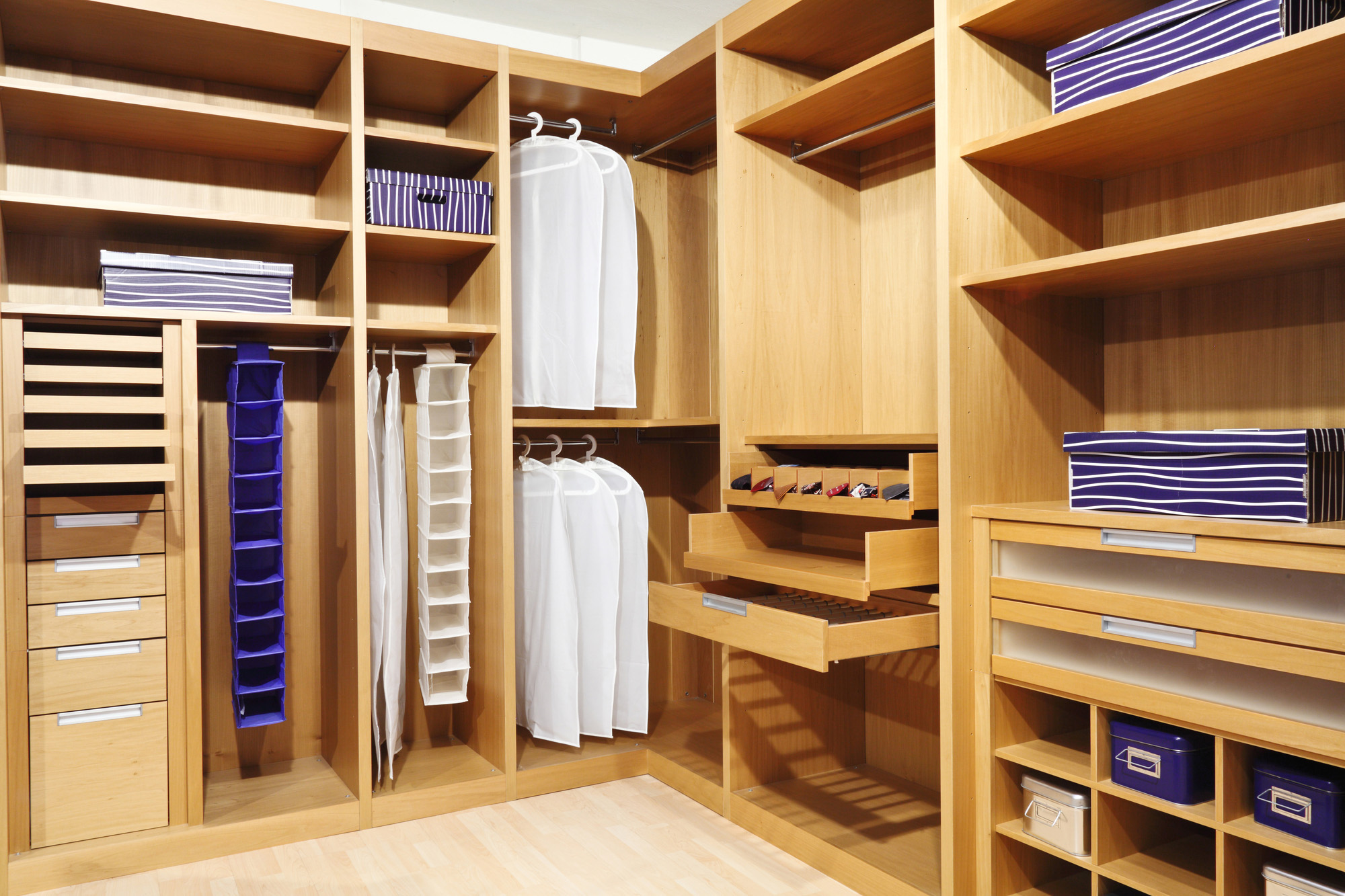 walk in wardrobe, trouser rail, shoe storage, built in wardrobes