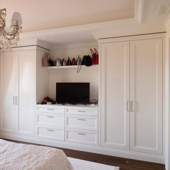 wardrobe with tv space, white wardrobe,fitted wardrobe